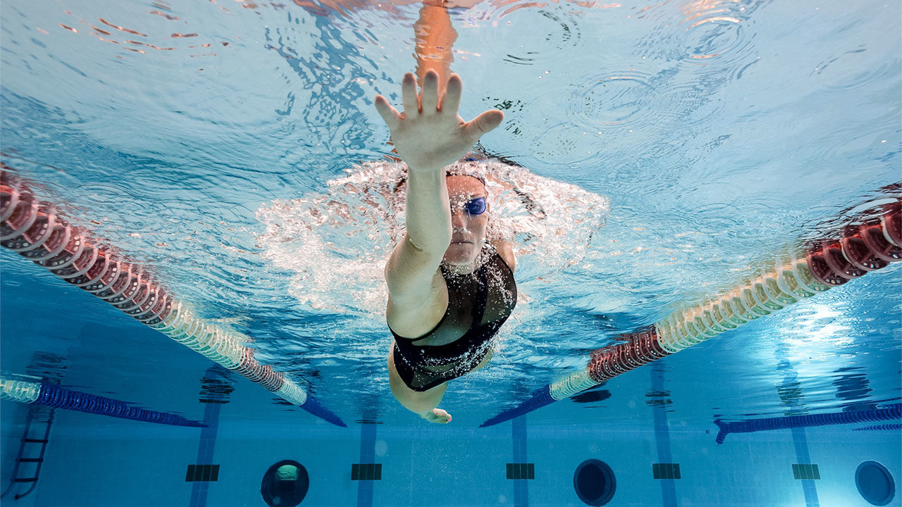 How-often-should-one-do-swimming-for-it-to-be-effective-in-alleviating-lower-back-pain